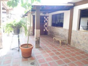 Casa En Ventaen Maracay, La Fontana, Venezuela, VE RAH: 19-7779