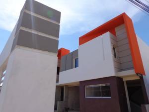 Townhouse En Ventaen Ciudad Ojeda, La Tropicana, Venezuela, VE RAH: 19-152