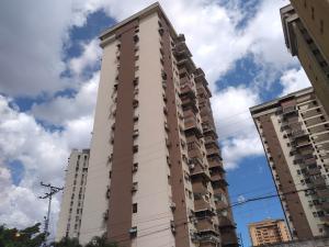 Apartamento En Ventaen Maracay, Urbanizacion El Centro, Venezuela, VE RAH: 19-7860