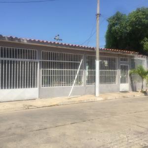 Casa En Ventaen Barcelona, La Fundacion, Venezuela, VE RAH: 19-7881