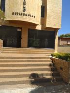 Apartamento En Ventaen Parroquia Caraballeda, Caribe, Venezuela, VE RAH: 19-7945