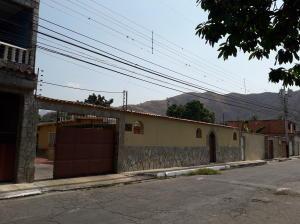 Casa En Ventaen Maracay, La Cooperativa, Venezuela, VE RAH: 19-7954