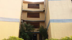 Apartamento En Ventaen Municipio Los Guayos, Paraparal, Venezuela, VE RAH: 19-7999