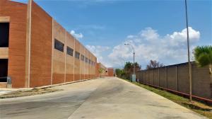 Local Comercial En Ventaen Valencia, Zona Industrial, Venezuela, VE RAH: 19-8002