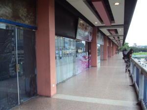 Local Comercial En Alquileren Maracay, Parque Aragua, Venezuela, VE RAH: 19-8012
