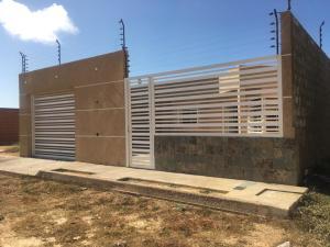 Casa En Ventaen Punto Fijo, Puerta Maraven, Venezuela, VE RAH: 19-8057