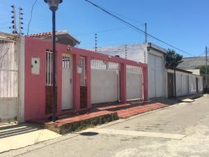 Casa En Ventaen Punto Fijo, Puerta Maraven, Venezuela, VE RAH: 19-8065