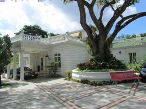 Casa En Ventaen Caracas, Country Club, Venezuela, VE RAH: 19-8307