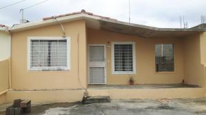 Casa En Ventaen Barquisimeto, Hacienda Yucatan, Venezuela, VE RAH: 19-8093