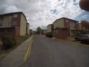 Apartamento En Ventaen Guatire, Valle Grande, Venezuela, VE RAH: 19-8116