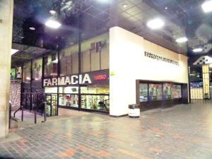 Local Comercial En Ventaen Caracas, Prados Del Este, Venezuela, VE RAH: 19-8195