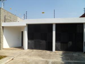 Casa En Ventaen Valencia, Trigal Centro, Venezuela, VE RAH: 19-8178