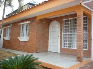 Casa En Ventaen Valencia, Fundacion Mendoza, Venezuela, VE RAH: 19-8726