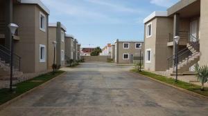 Apartamento En Ventaen Coro, Sector La Floresta, Venezuela, VE RAH: 19-8213