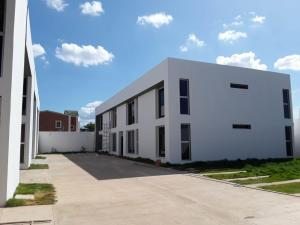 Apartamento En Ventaen Coro, Villas De Ibiza, Venezuela, VE RAH: 19-8227