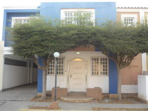 Townhouse En Ventaen Ciudad Ojeda, Cristobal Colon, Venezuela, VE RAH: 19-8238