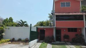 Townhouse En Ventaen Charallave, Valles De Chara, Venezuela, VE RAH: 19-8963