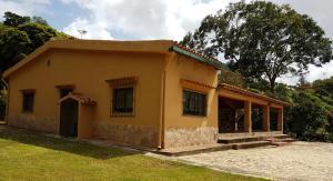 Casa En Ventaen Nirgua, Zona Turistica San Vicente, Venezuela, VE RAH: 19-8361