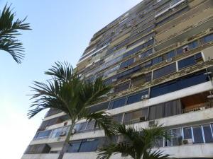 Apartamento En Ventaen Catia La Mar, Playa Grande, Venezuela, VE RAH: 19-8421