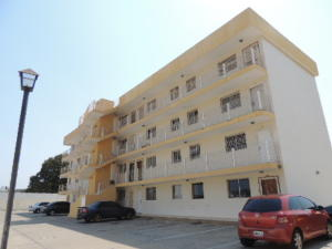 Apartamento En Alquileren Maracaibo, Avenida Goajira, Venezuela, VE RAH: 19-8401