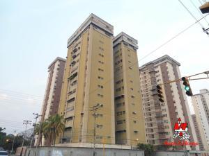 Apartamento En Ventaen Maracay, Urbanizacion El Centro, Venezuela, VE RAH: 19-8522