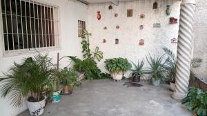 Townhouse En Ventaen Palo Negro, 10 De Diciembre, Venezuela, VE RAH: 19-8758