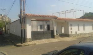 Casa En Ventaen Municipio Los Guayos, Paraparal, Venezuela, VE RAH: 19-8622
