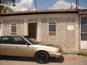 Casa En Ventaen Cabudare, Parroquia José Gregorio, Venezuela, VE RAH: 19-8645