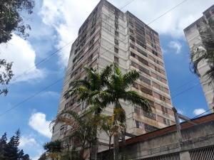 Apartamento En Alquileren San Antonio De Los Altos, Los Salias, Venezuela, VE RAH: 19-8693