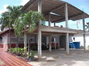 Casa En Ventaen Coro, Av Ramon Antonio Medina, Venezuela, VE RAH: 19-8712