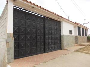 Casa En Ventaen El Junquito-Vargas, El Junko Country Club, Venezuela, VE RAH: 19-8921
