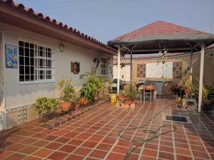 Casa En Ventaen San Joaquin, Villas Del Centro, Venezuela, VE RAH: 19-8796