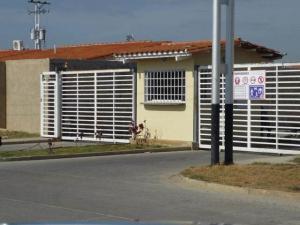 Casa En Ventaen Guacara, Ciudad Alianza, Venezuela, VE RAH: 19-8835