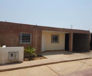 Casa En Ventaen Coro, Brisas Del Campo, Venezuela, VE RAH: 19-8859