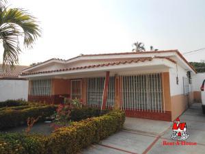 Casa En Ventaen Maracay, Mario Briceno Iragorry, Venezuela, VE RAH: 19-8885