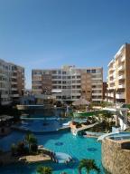 Apartamento En Ventaen Higuerote, Agua Sal, Venezuela, VE RAH: 19-9166