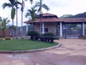 Casa En Ventaen Valencia, Safari Country Club, Venezuela, VE RAH: 19-14598