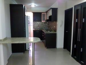 Apartamento En Ventaen Maracaibo, Avenida Delicias Norte, Venezuela, VE RAH: 19-9042
