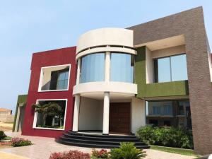 Casa En Ventaen Punto Fijo, Terrazas Club De Golf, Venezuela, VE RAH: 19-8971