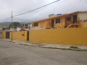 Casa En Ventaen Parroquia Caraballeda, Caribe, Venezuela, VE RAH: 19-9132