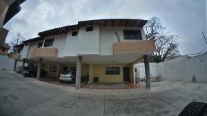 Casa En Ventaen Municipio Naguanagua, La Entrada, Venezuela, VE RAH: 19-9156