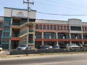 Local Comercial En Alquileren Punto Fijo, Santa Irene, Venezuela, VE RAH: 19-6375