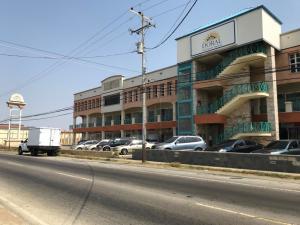 Local Comercial En Alquileren Punto Fijo, Santa Irene, Venezuela, VE RAH: 19-6377