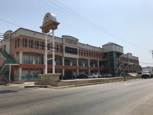 Local Comercial En Alquileren Punto Fijo, Santa Irene, Venezuela, VE RAH: 19-6373