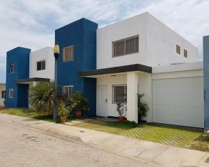 Casa En Ventaen Coro, Terraluna, Venezuela, VE RAH: 19-9259