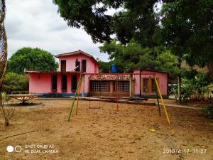 Casa En Ventaen Valencia, Safari Country Club, Venezuela, VE RAH: 19-9273