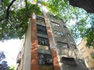 Apartamento En Ventaen Caracas, Los Chaguaramos, Venezuela, VE RAH: 19-9290