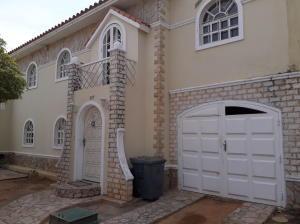 Townhouse En Ventaen Maracaibo, Avenida Milagro Norte, Venezuela, VE RAH: 19-9317