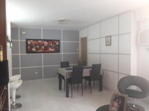 Apartamento En Ventaen Maracaibo, Ciudadela Faria, Venezuela, VE RAH: 19-9321