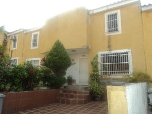 Townhouse En Ventaen Cua, Villa Falcon, Venezuela, VE RAH: 19-9361
